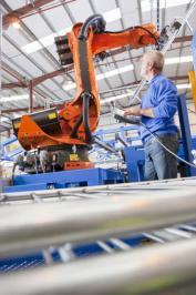 Norme europee: come tenere conto del contatto tra uomo e robot?